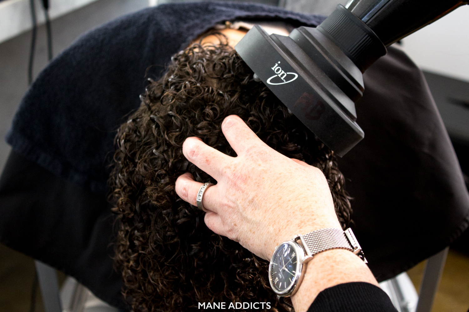 Diffuser Drying Curly Hair