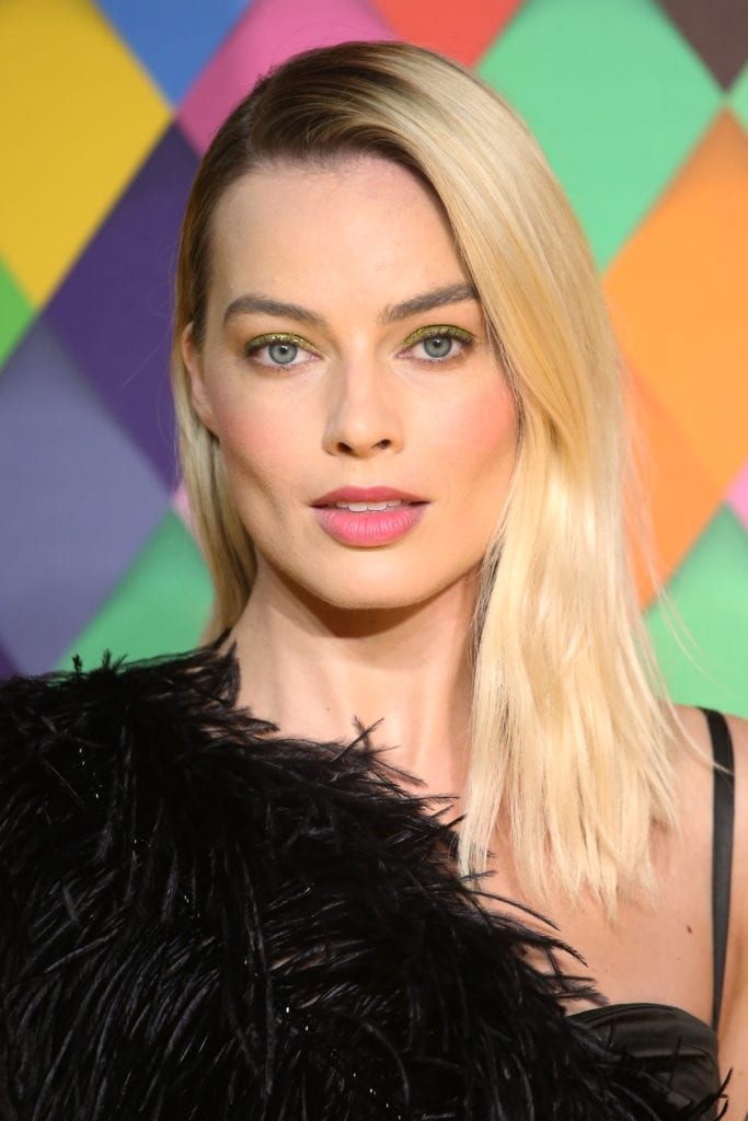 Margot Robbie's Chic Side-Part mid-length haircuts   Mane Addicts