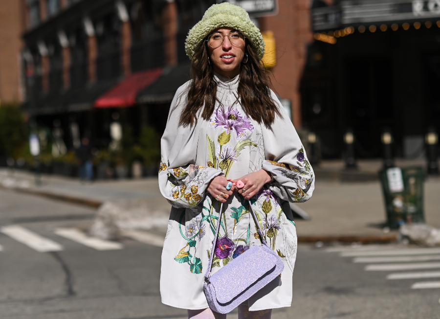 Street Style - February 2021 - New York Fashion Week: The Shows NEW YORK, NEW YORK - FEBRUARY 17: Caroline Vazzana is seen wearing an Asos outfit during New York Fashion Week F/W21 on February 17, 2021 in New York City. (Photo by Daniel Zuchnik/Getty Images)