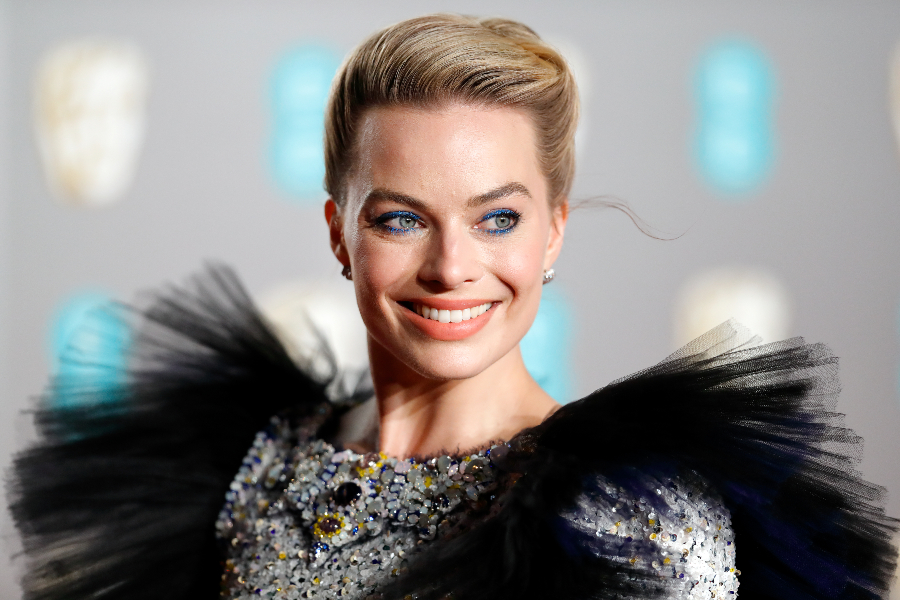EE British Academy Film Awards - Red Carpet Arrivals LONDON, UNITED KINGDOM - FEBRUARY 10: (EMBARGOED FOR PUBLICATION IN UK NEWSPAPERS UNTIL 24 HOURS AFTER CREATE DATE AND TIME) Margot Robbie attends the EE British Academy Film Awards at the Royal Albert Hall on February 10, 2019 in London, England. (Photo by Max Mumby/Indigo/Getty Images)