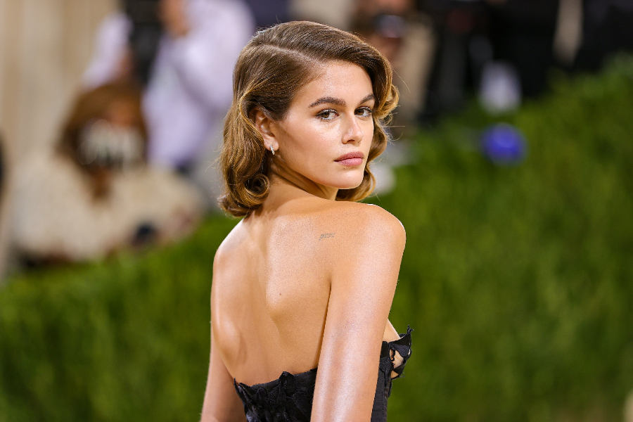 The 2021 Met Gala Celebrating In America: A Lexicon Of Fashion - Arrivals NEW YORK, NEW YORK - SEPTEMBER 13: Kaia Gerber attends The 2021 Met Gala Celebrating In America: A Lexicon Of Fashion at Metropolitan Museum of Art on September 13, 2021 in New York City. (Photo by Theo Wargo/Getty Images)